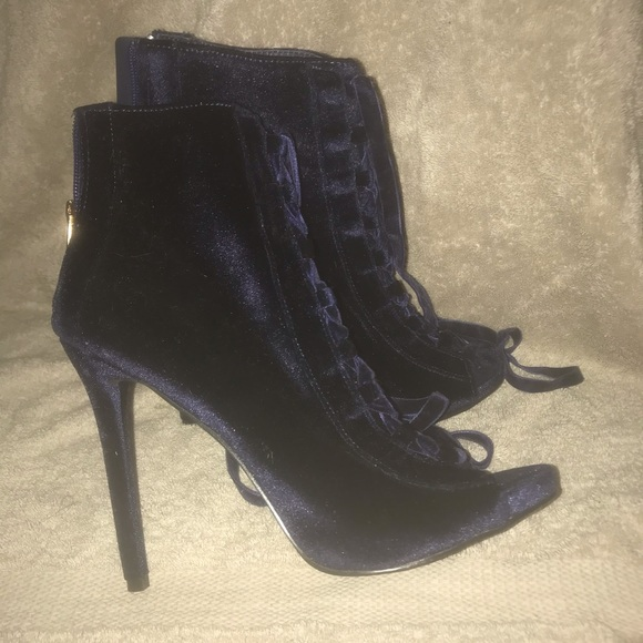 Shoes - 💙💙💙CUTE NAVY BOOTIES!!!💙 only worn twice!